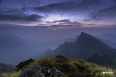 The beautiful sunrise at Kolukkumalai. It's always a dream come true. It's always a moment that no one can miss.